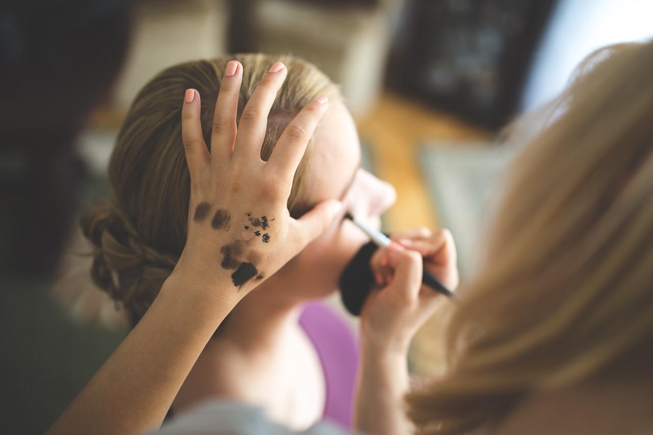 make-up-791293_1280